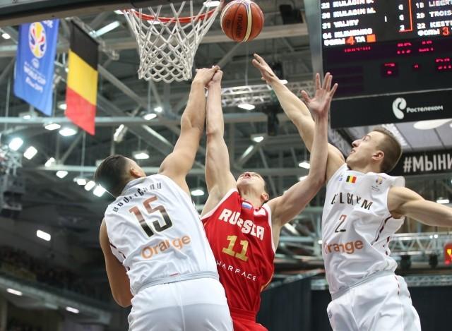 Глеб Никитин пришел набаскетбольный матч сборных Российской Федерации иБельгии