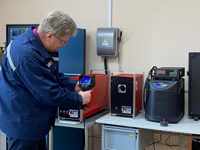 Метрологи проверяют точность работы тепловизоров и инфракрасных термометров для измерений температуры у нижегородцев