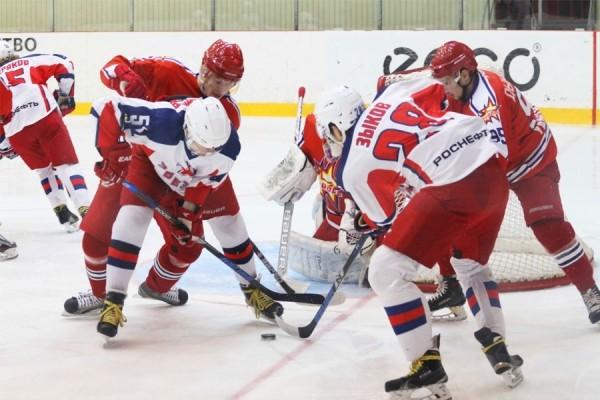 «Ижсталь» проиграла чеховской «Звезде» надомашнем льду