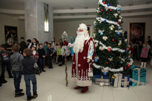 Две тысячи детей-сирот побывали на«Губернаторской елке» вНижнем Новгороде