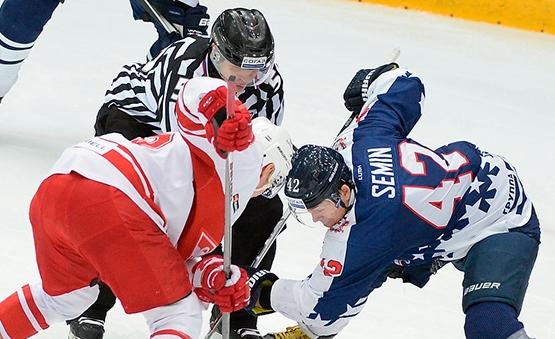 Нижегородское «Торпедо» провело матч против московского «Спартака»