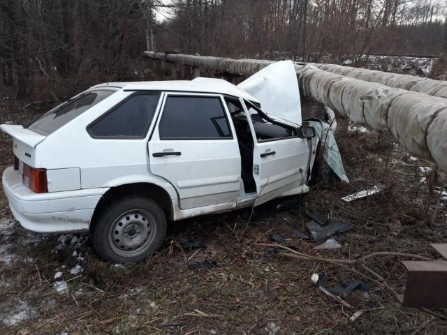 ВУфе после наезда набетонный блок умер шофёр ВАЗ
