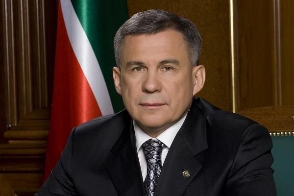 Путин наградил руководителя Татарстана орденом Александра Невского