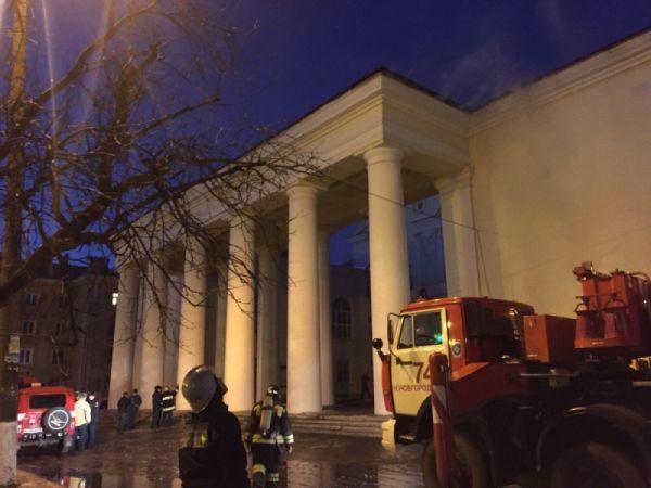 ВНижнем НовгородеДК Орджоникидзе зажегся из-за светильника