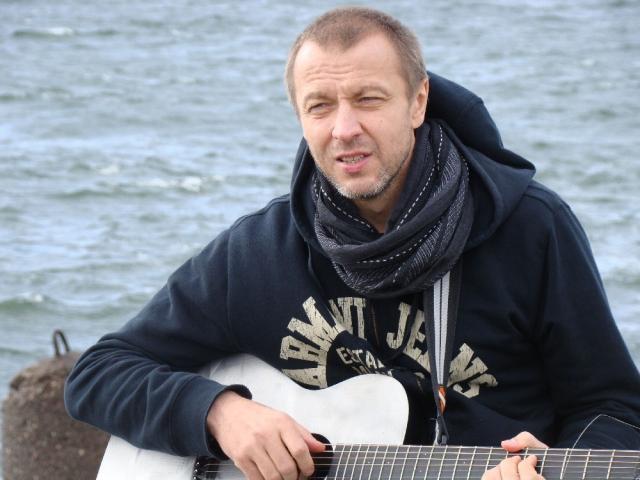 Известный продюсер спомощницей умер при крушении вертолета вКрыму