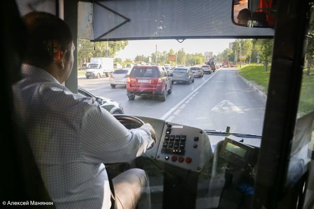 Нижегородским автомобилистам разрешат движение по выделенной для общественного транспорта полосе по выходным