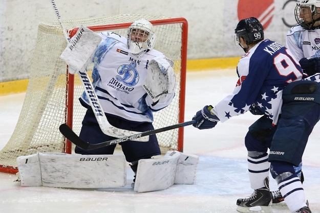 Хоккеисты нижегородской «Чайки» обыграли «Динамо» ввыездном матче