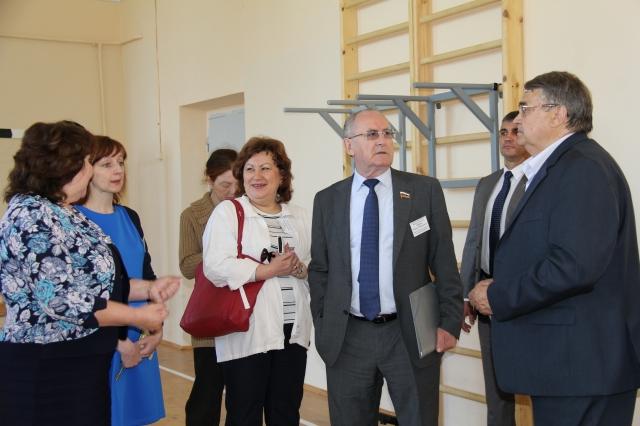 в Балахне состоялось выездное заседание экспертно-аналитической группы по мониторингу закона «О безбарьерной среде для маломобильных граждан на территории Нижегородской области»