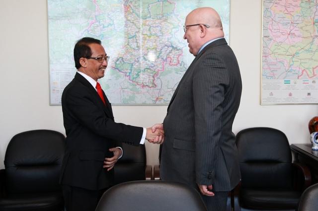 ВНижегородском Кремле поведали послу Индонезии обэкономическом потенциале региона